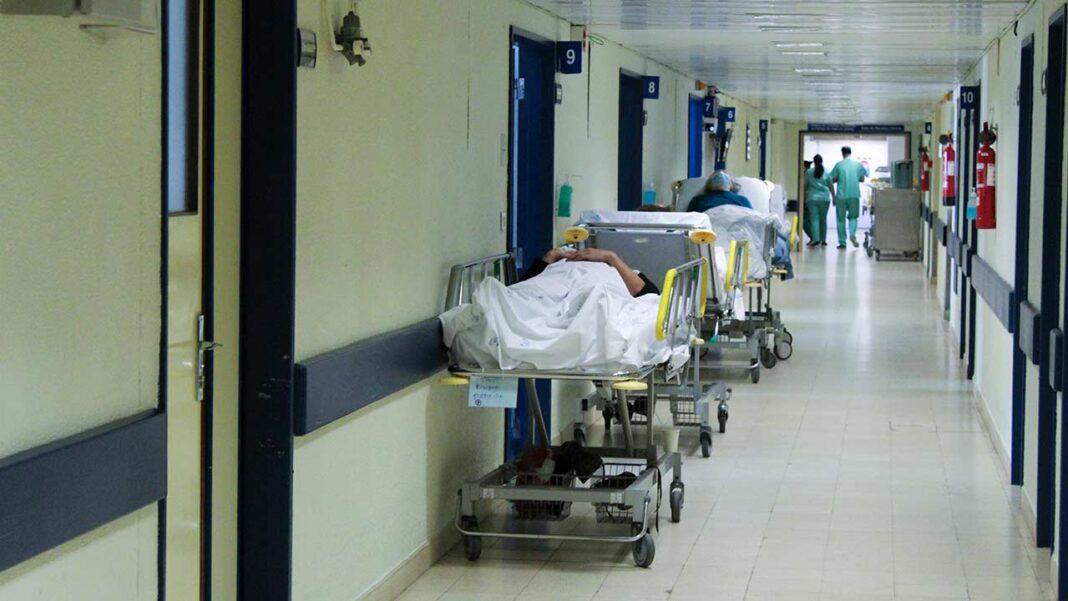 Os hospitais do Algarve têm 49 doentes internados em enfermarias COVID-19, 12 dos quais em cuidados intensivos, com uma tendência de aumento de internamentos entre os mais jovens.