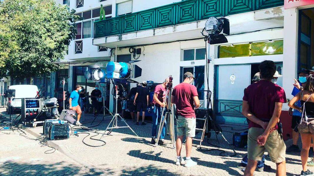 Novos estúdios de cinema da Moviebox na antiga fábrica da Unicer, em Loulé, acolhem a rodagem do filme «Infernal Machine» do realizador americano Andrew Hunt.