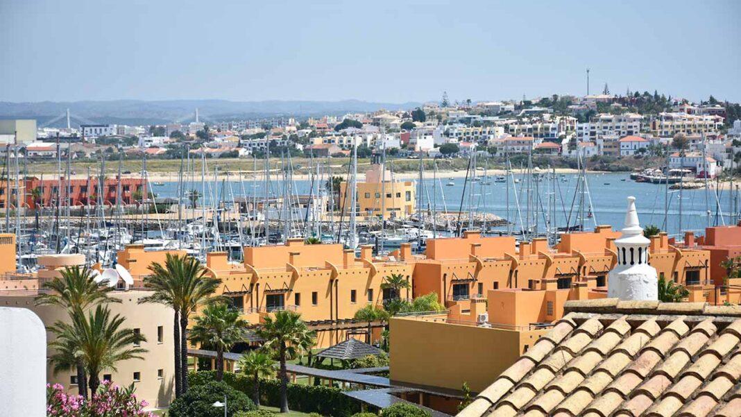 Frota de veleiros que percorre a 4ª Travessia Lisboa-Andaluzia-Ceuta-Alcoutim faz escala em Portimão.