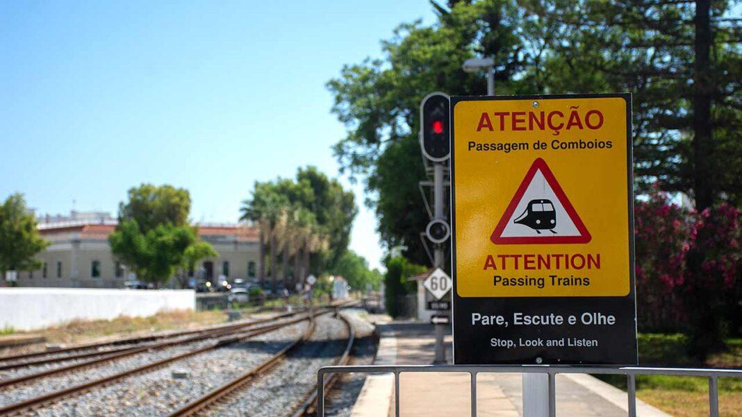 A Comissão de Coordenação e Desenvolvimento Regional (CCDR) da Região do Algarve, em parceria com o Gabinete do Ministro das Infraestruturas e Habitação e com o Instituto de Mobilidade e Transportes (IMT), promove na segunda-feira, dia 19 de julho, às 15 horas, uma sessão de apresentação das bases do Plano Nacional Ferroviário.