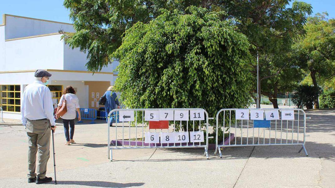 Apesar do apelo à participação numas eleições autárquicas «decisivas», do ponto de vista do Presidente da República Marcelo Rebelo de Sousa, a afluência às urnas contabilizava apenas 20,94 por cento dos eleitores até às 12h00 de hoje.