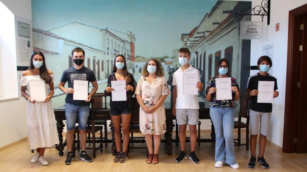 O município de São Brás de Alportel atribuiu os Prémios «Melhores Alunos do concelho – 2020/21» aos melhores alunos finalistas dos 2.º e 3.º ciclos do ensino básico e do ensino secundário.