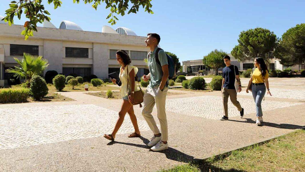 A Universidade do Algarve (UAlg) disponibiliza mais 250 vagas para o Concurso Nacional de Acesso ao Ensino Superior.