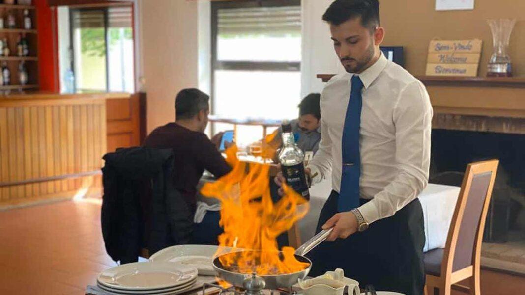 Mais de 80 por cento das empresas de restauração e quase 60 por cento das de turismo sentiram dificuldades na contratação de novos colaboradores este ano, segundo um inquérito da Associação da Hotelaria, Restauração e Similares de Portugal (AHRESP), hoje divulgado.