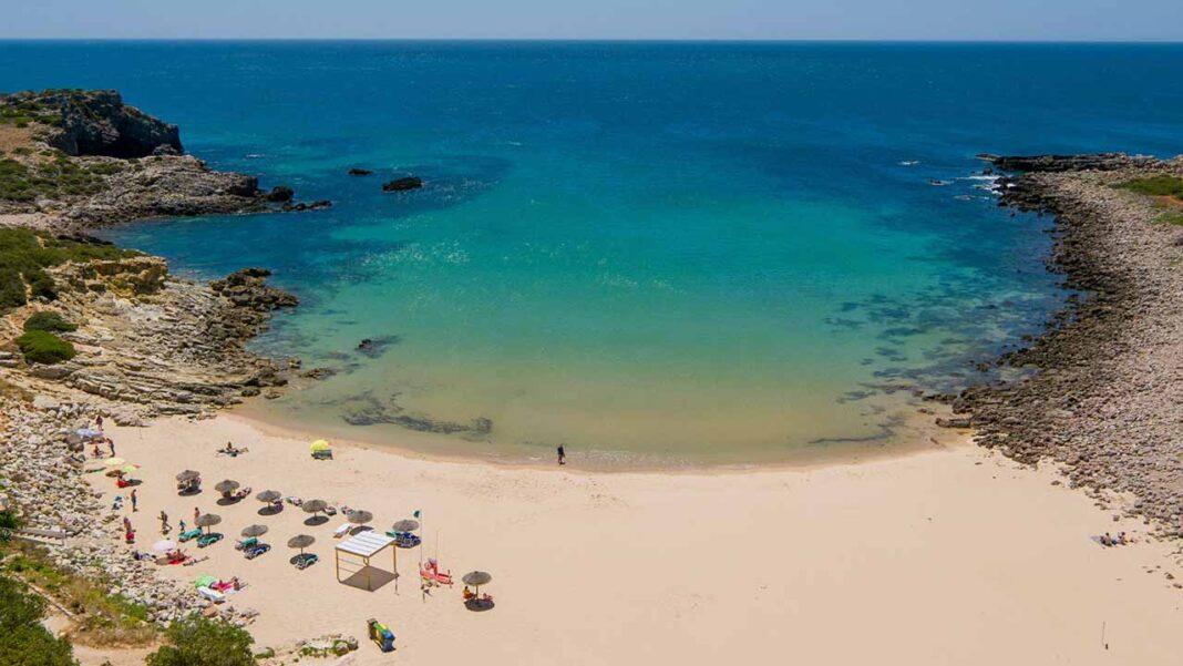 O Algarve está de novo nomeado para «Melhor Destino de Praia do Mundo 2021» nos World Travel Awards, os Óscares do turismo, categoria que venceu pela primeira vez no último ano.