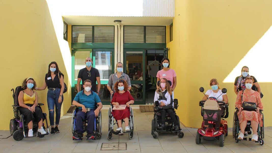 Vinte beneficiários da Associação Portuguesa de Paralisia Cerebral (APPC) de Faro têm, desde 2019, um assistente pessoal para os apoiar no dia a dia. No Algarve são apenas duas as instituições que possuem um Centro de Apoio à Vida Independente (CAVI), responsável pela disponibilização de assistência pessoal a pessoas com deficiência ou incapacidade.