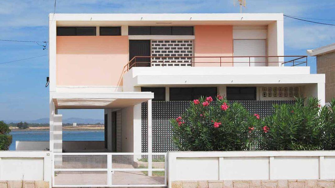 Exposição mgc100 – Moderno ao Sul celebra o centenário do arquiteto de Manuel Gomes da Costa na Sala de Atos do Cabido da Sé de Faro. Inauguração é hoje às 18h30.