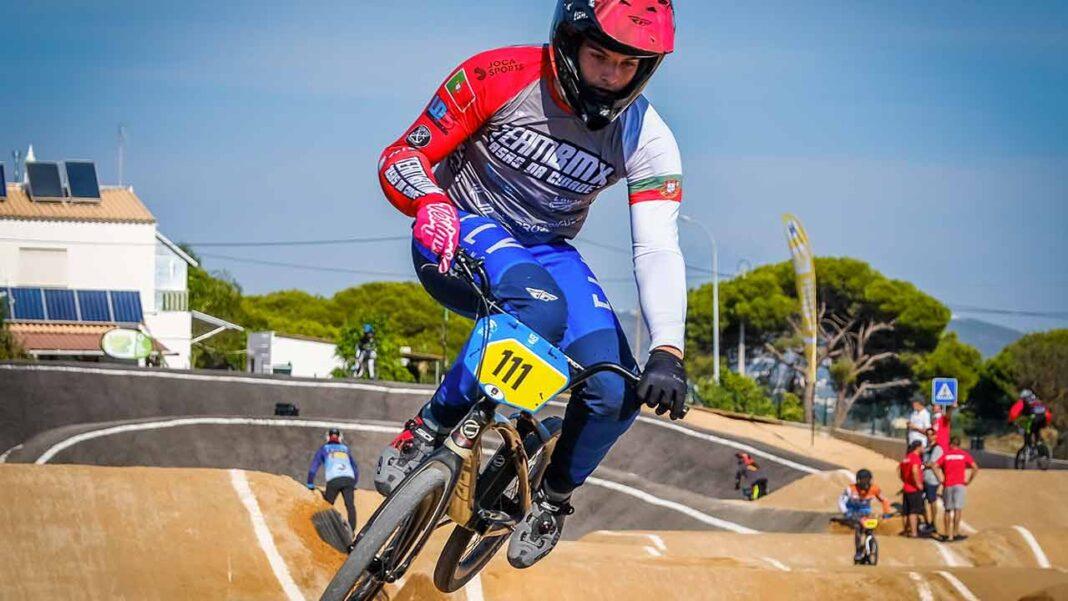 Renato Silva (Team BMX Quarteira) é o vencedor da edição de 2021 da Taça de Portugal BMX Race na categoria de elite, depois de impor-se nas duas últimas provas pontuáveis, disputadas neste fim de semana, em Quarteira, concelho de Loulé.