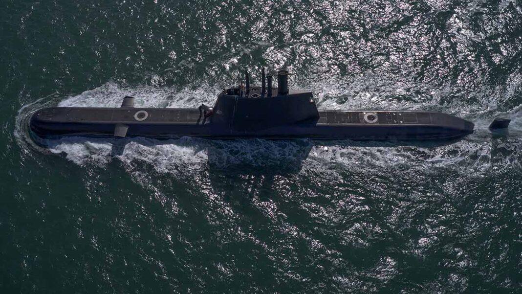 O submarino NRP Tridente, que se encontrava na área, detetou os fardos de droga, num total de 280 kg de haxixe. A Marinha e a Autoridade Marítima Nacional detetaram e apreenderam, durante a tarde de ontem, oito fardos de droga, num total de 280 kg de haxixe, que se encontravam à deriva a cerca de 25 milhas, aproximadamente 46 quilómetros, a sul da barra de Olhão.